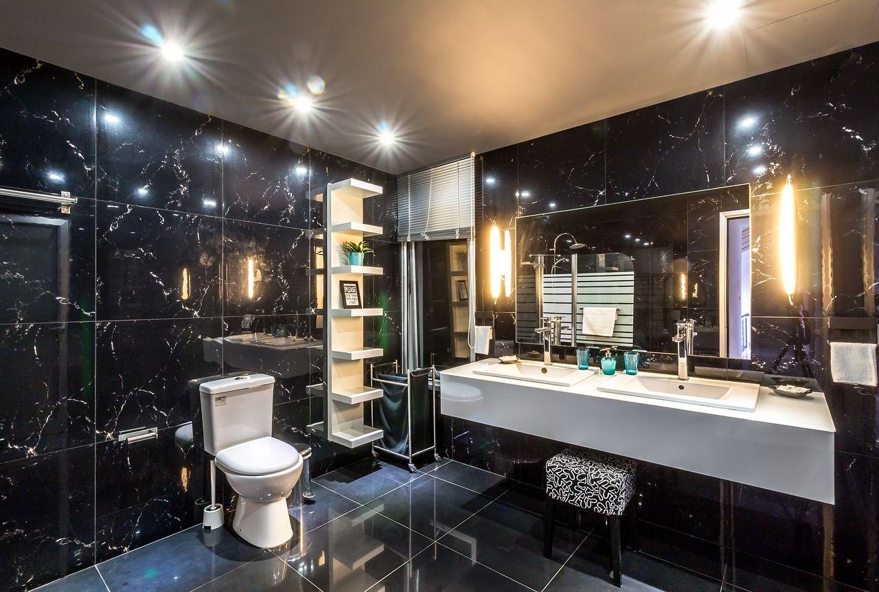 Jak urządzić łazienkę bez okna – na co zwrócić uwagę?