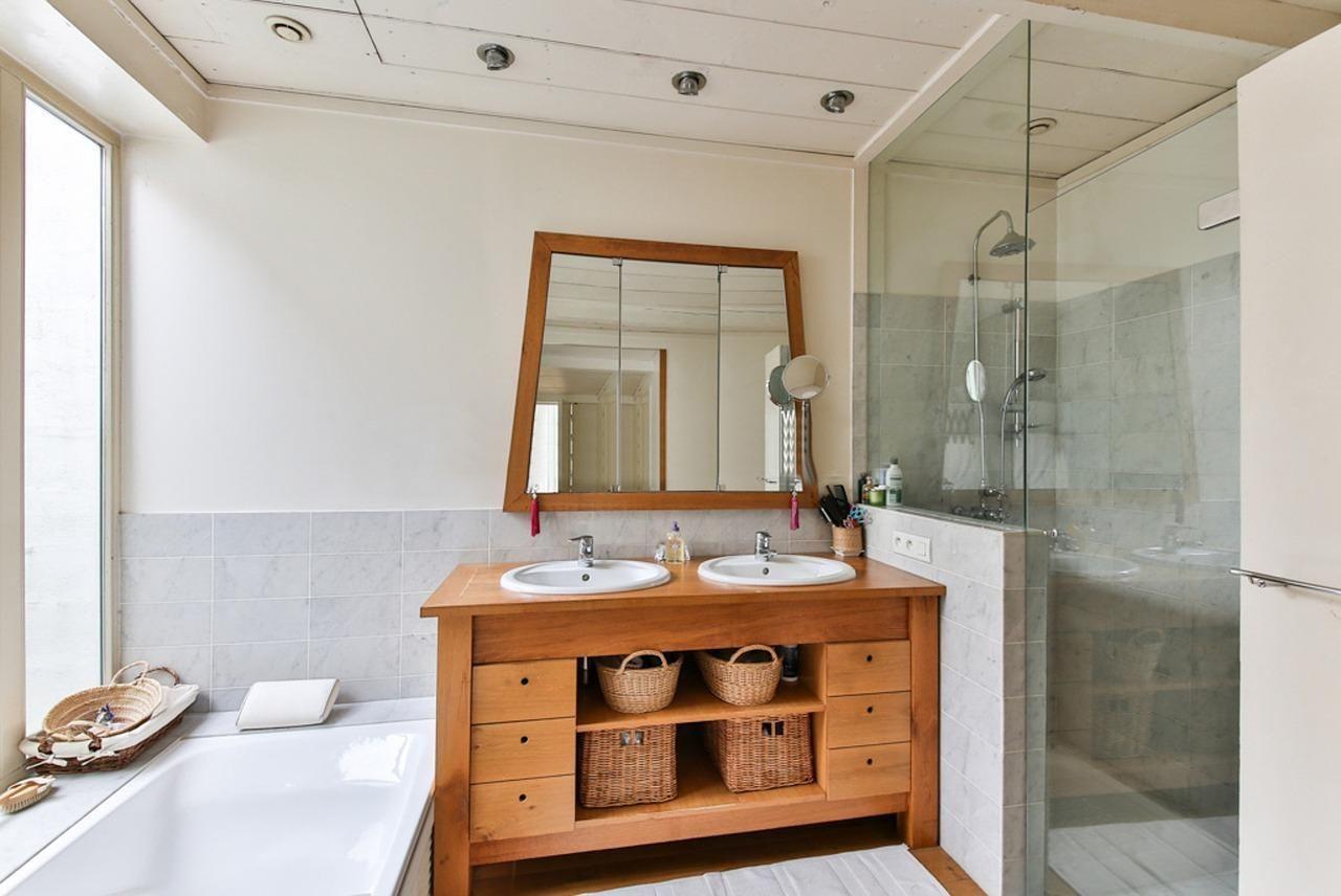 Jakie drewno zastosować w łazience?